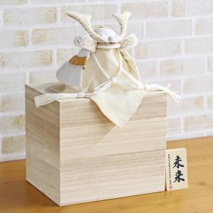 五月人形 兜 兜収納飾り WHITE STYLE ちりめん兜 (白金) 波鍬 桐製収納飾り コンパクト おしゃれ|marutomi-a