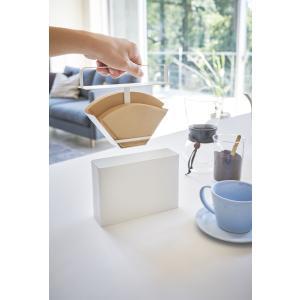 03579 山崎実業 YAMAZAKI コーヒーペーパーフィルターケース Plate[プレート] ホワイト WH|mary-b