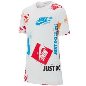 ナイキ スポーツウェア Tシャツは、コットン素材を使用し、快適な着心地が一日中持続。 ゆったりと楽に...