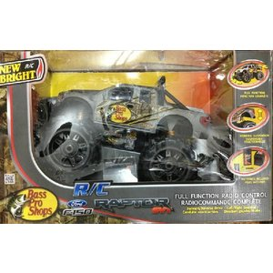 Bass Pro Shops Ford F-150 SVT Raptor Remote Control Car|matsumoto