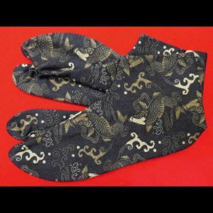 送料無料 鯉づくし(黒)お洒落な和柄足袋 義若オリジナル|matsuriya-sonami