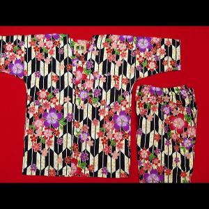 送料無料 金彩矢羽に桜(黒系)4号〜5号サイズ(120〜130)子供鯉口シャツ上下組 義若オリジナル|matsuriya-sonami