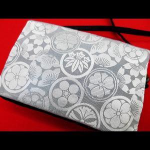 家紋尽くし・綸子生地(シルバーグレー)和柄お祭り万能ポシェットショルダー|matsuriya-sonami