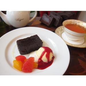 【大人のブランデーチョコレートケーキ1本】要冷蔵、高級VSOPブランデーを使った小麦粉不使用の濃厚チョコレートケーキ、金粉の高級感がギフトに最適|mayfair-net