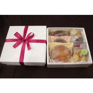 【クッキーとマドレーヌの焼き菓子ギフトB】クッキー4種類とマドレーヌ3種類が入った焼き菓子セット、常温保存|mayfair-net