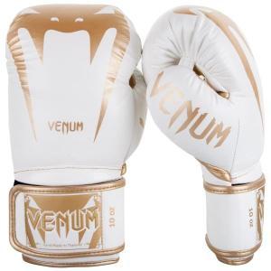 人気VENUMのボクシンググローブ「ジャイアント」シリーズです。   素材 ナッパレザー(本革) タ...