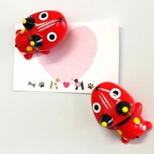 福島県会津で有名な民芸品『赤べこ』のマグネットです。赤べこは『幸せを運ぶ牛』『子供の守り神』として多...