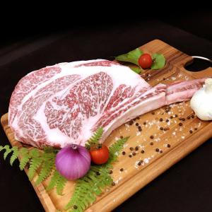 熊野牛トマホークステーキ(骨付きリブロース)約900g〜1kg(個体によって変わります)父の日 お肉...