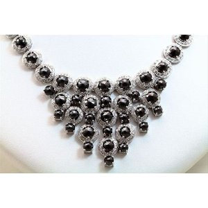 天然 ホワイトダイヤモンド ブラックダイヤモンド ネックレス K18WG  新品 レディース|megumi-1