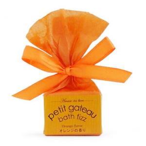 お菓子みたいでかわいい♪プチガトーバスフィザーでシュワシュワ・甘〜いバスタイムを!   可愛らしいミ...