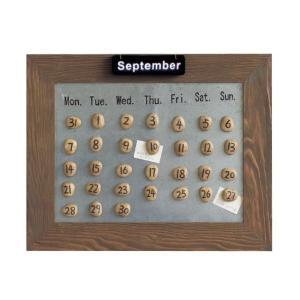 石に書かれた数字を並べて作る万年カレンダーのご紹介です。  ■月初めには石を並べてスケジュール確認。...