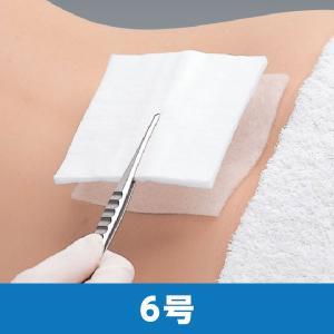 【特徴】 四つ折りガーゼ約2枚分の高吸収力で、滲出液の多い創にも対応できます。 創傷面に固着しにくい...