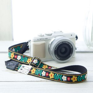 カメラストラップ camera strap 一眼レフ ミラーレス一眼用 北欧風レトロフロ―ラル ブラック フリータイプ mi-na