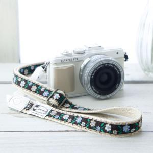 カメラストラップ camera strap 一眼レフ ミラーレス一眼用 ピコ縁飾りのプチフラワー チョコ フリータイプ mi-na