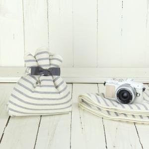 カメラ女子♪ミラーレス一眼カメラが入る!かわいいラッピングクロス「カメラのくるみん」 ナチュラルベーシックボーダー|mi-na