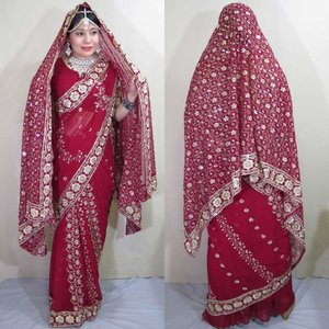 sar477 インド 民族衣装 サリー ベリーダンス コスチューム 深紅のしなやかなシフォンにびっしりと散りばめられた金のスパンコールと刺繍が豪華なサリー|mifashion