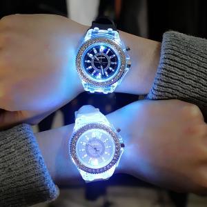 腕時計 アナログ ラウンドウォッチ LED 7色に光る ラインストーン 男女兼用 ユニセックス ペアウォッチ シリコンバンド シリコンベルト 文字盤|mignonlindo