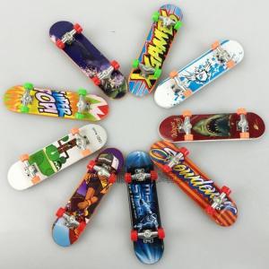 指スケボー 指でスケートボード おもちゃ ミニスケートボード フィンガースケート 人気 ランダム フィンガースケート 指遊び 指技 大人 こども 楽し