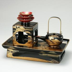 輪島塗の屠蘇器。 松島蒔絵の屠蘇器は松島蒔絵のお重(重箱)とセットでお使いいただくことができます。 ...