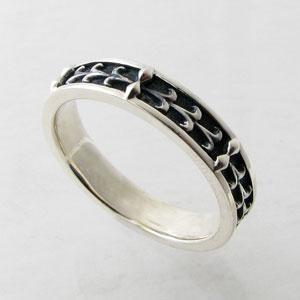 指輪 リング white clover ホワイトクローバー ゴシック調 シルバーリング(ブラック)  19号 WSR238BK|miles