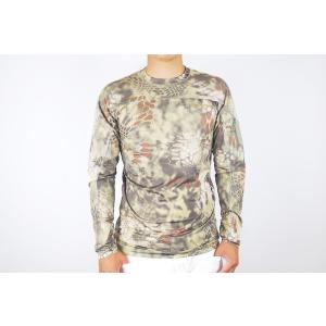 シンプルでありながら、機能性が抜群なロング袖Tシャツです。軽量且つ通気性の良い合成素材を使用しており...
