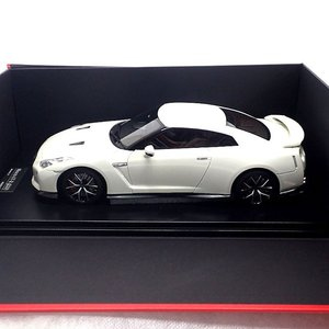17C03-06 onemodel 1/18 日産 GT-R 2017 Pearl White パールホワイト ワンモデル|mimiy