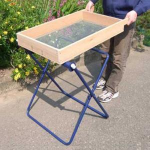 手動式 砂・土ふるい器セット 《ローラー台+木製篩い付き》 [砂利・園芸用 土ふるい 木製ふるい フルイ]|minatodenki
