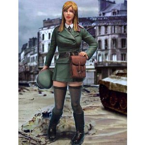 ドイツ軍 戦車隊コマンダー 1947  WWII German Panzer Commander 1947  1/20|miniature-park