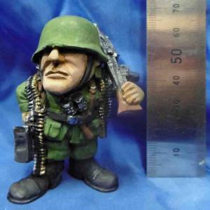 フリッツ ドイツ軍機関銃手 WWII Fritz, German machine gunner WWII  約60mm|miniature-park