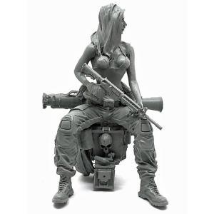 現用米軍 M4カービン&グレネードランチャーを持って弾薬箱に座る女性兵士 US Girl Soldier with M4 and Grenade Launcher 1/35[JM35-DJJ-14]【返品・返品不可】|miniature-park