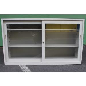 ●商品説明   A4ファイル1段に最大30個収納、3段引違いガラススチール書庫。 棚板が30mmピッ...
