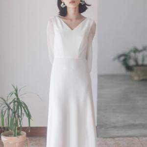 ウェディングドレス 二次会 花嫁 結婚式 Aライン 長袖 シンプル ウエディングドレス 安い 白 赤...