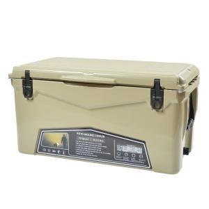 さりげなくフィットするタンカラーのクーラーボックスはYETIやORCAと同等クラスの保冷力をもつコス...