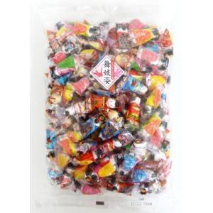 希望小売価格:1,800円(税別)   舞妓姿のイラストのパッケージに、直径約1cmの丸いチョコ玉が...
