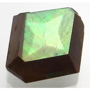 褐色の地色に緑のラスター シャープなカット 上級品/ 1.35ct 7.1x6.8x3.0mm/ 宝...