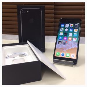 超美品 docomo iPhone7 128GB JetBlack ジェットブラック  中古 赤ロム永久保証  白ロム|mobaxfukuoka