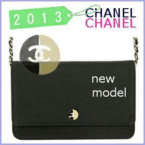 d670755eae72 シャネル CHANEL バッグ 2013 春夏 新作 チェーンウォレット CHANEL 財布 A68872 model ...