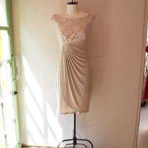 パーティードレス 結婚式 バニラ色 膝丈レースワンピース |modisteclub