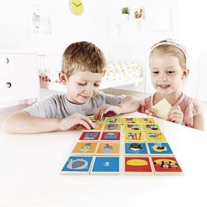 絵合わせ、神経衰弱、ババ抜きが楽しめる ドイツHapeハペの知育玩具コンバース。  3歳4歳幼児の男...
