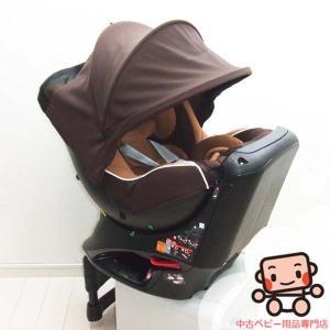 エールベベの360度回転するチャイルドシート『クルット』です。 インナークッション付きで、新生児対応...