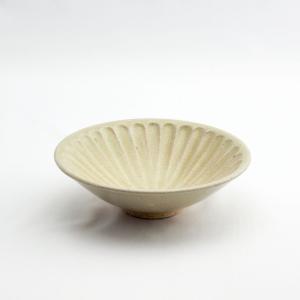 和食器 陶器 和皿 シノギ 黄 鉢 中皿 日本製 おしゃれ カフェ モダン サラダ 16.6cm 太シノギ反5.5鉢 黄貫入鉢|monomono-shop