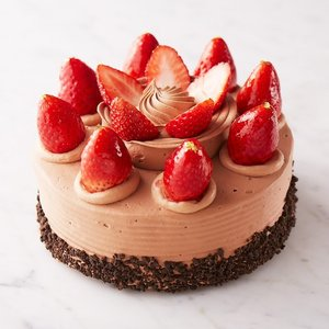生チョコデコレーション(直径約18cm)【店鋪受取】*お受け取りの3営業日前までにご予約ください。*当日・翌日のお引渡しできません。|monterosa-cake