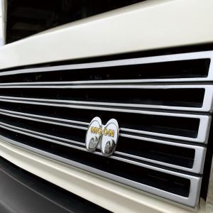 MOONEYES (ムーンアイズ) カーバッチ|mooneyes
