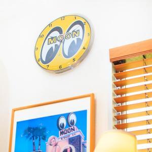 MOON Wall クロック|mooneyes