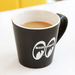 MOON Equipped (ムーン イクイップド)   Matte Java Mug|mooneyes