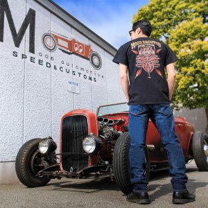 MOON Equipped Hot Rod & Kustom Supply Tシャツ|mooneyes