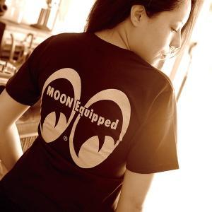 MOON Equipped レディース T シャツ|mooneyes