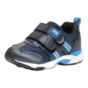 ムーンスター 子どもの足の正しい成長をサポートする「4つの機能」を搭載したシューズです。足幅が広めの...