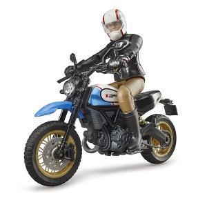 車 おもちゃ BRUDER ブルーダー Ducati スクランブラーデザートスレッド(フィギュア付き)63051|morinokobito