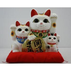 10号開運三匹猫白(左手)(座布団付)|morisige